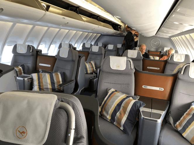 Lufthansa Business Class 747 9 Upper Deck 1 2