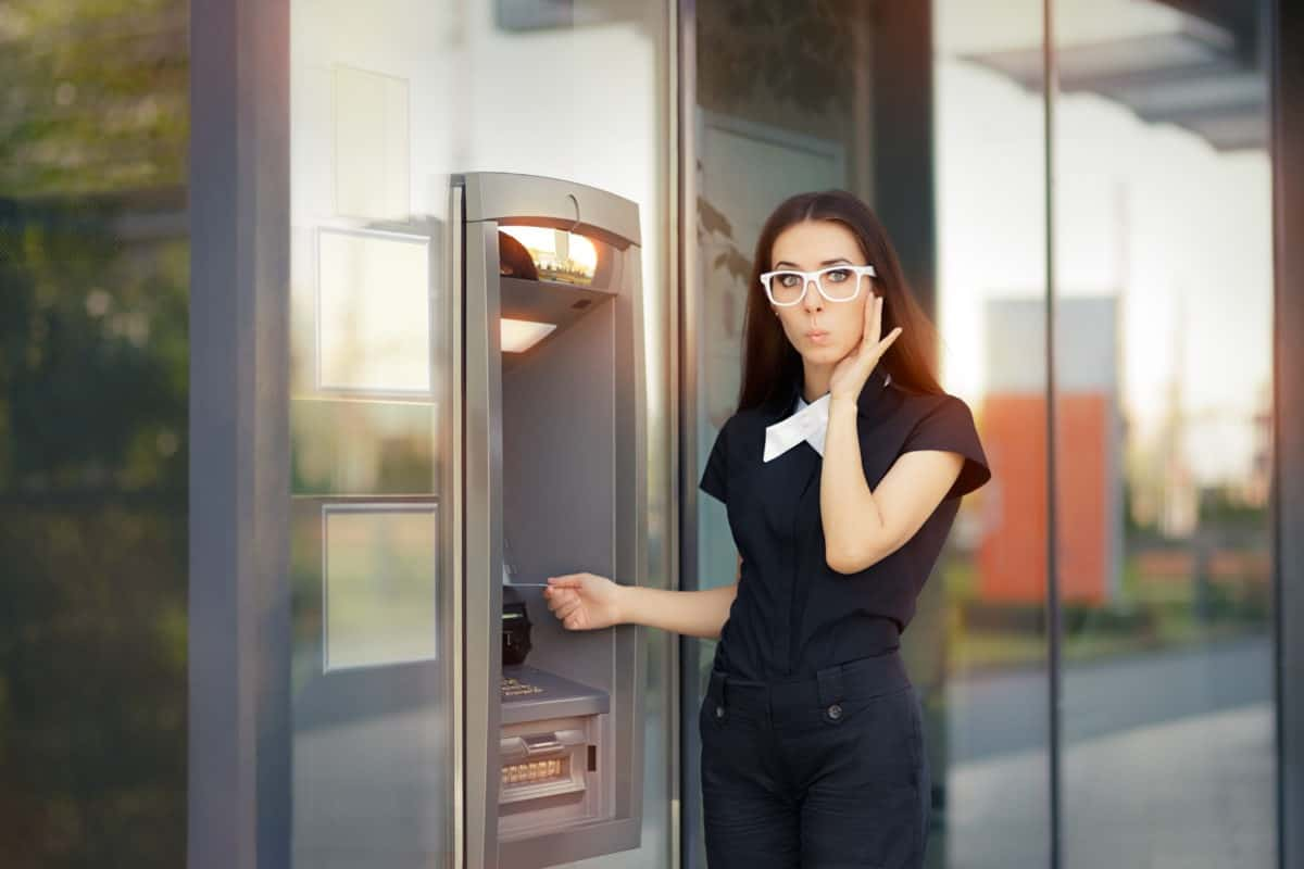 Why You Shouldn't use your credit card at the ATM | Reasons You Shouldn't Use Your Credit Card At An ATM | Credit Card at an ATM