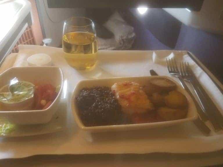 Cathay Business class food to Hongkong using Alaska Miles
