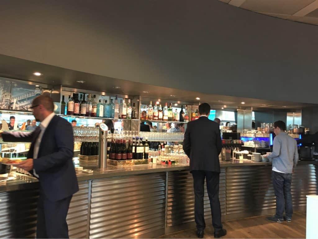 Lufthansa business class lounge- self-service bar-Munich International Airport