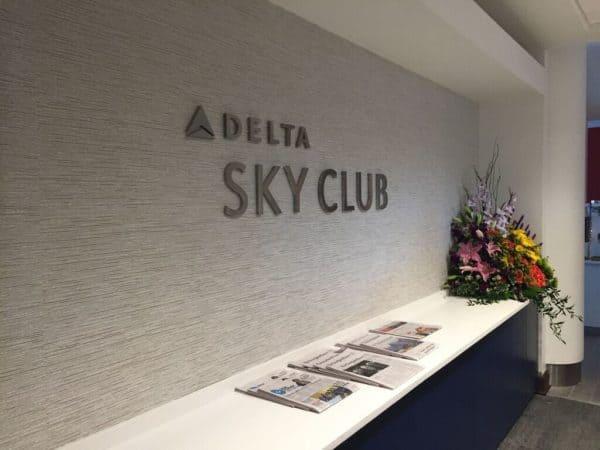 amex platinum delta lounge guest-delta sky club lounge