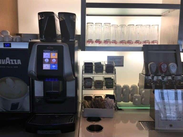 Self-service beverage station
