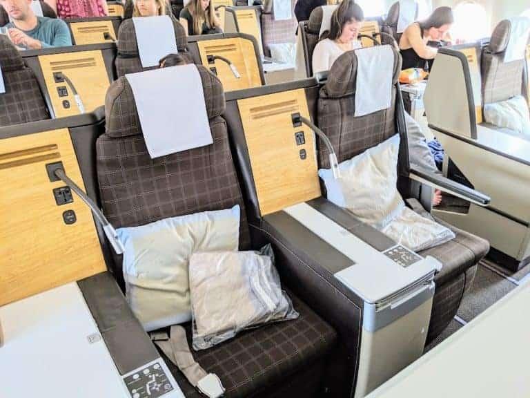 LX J seat