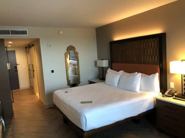 Disney's Coronado Springs Resort - Standard King Bed Room