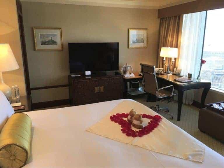 Conrad Hong Kong Review - Room
