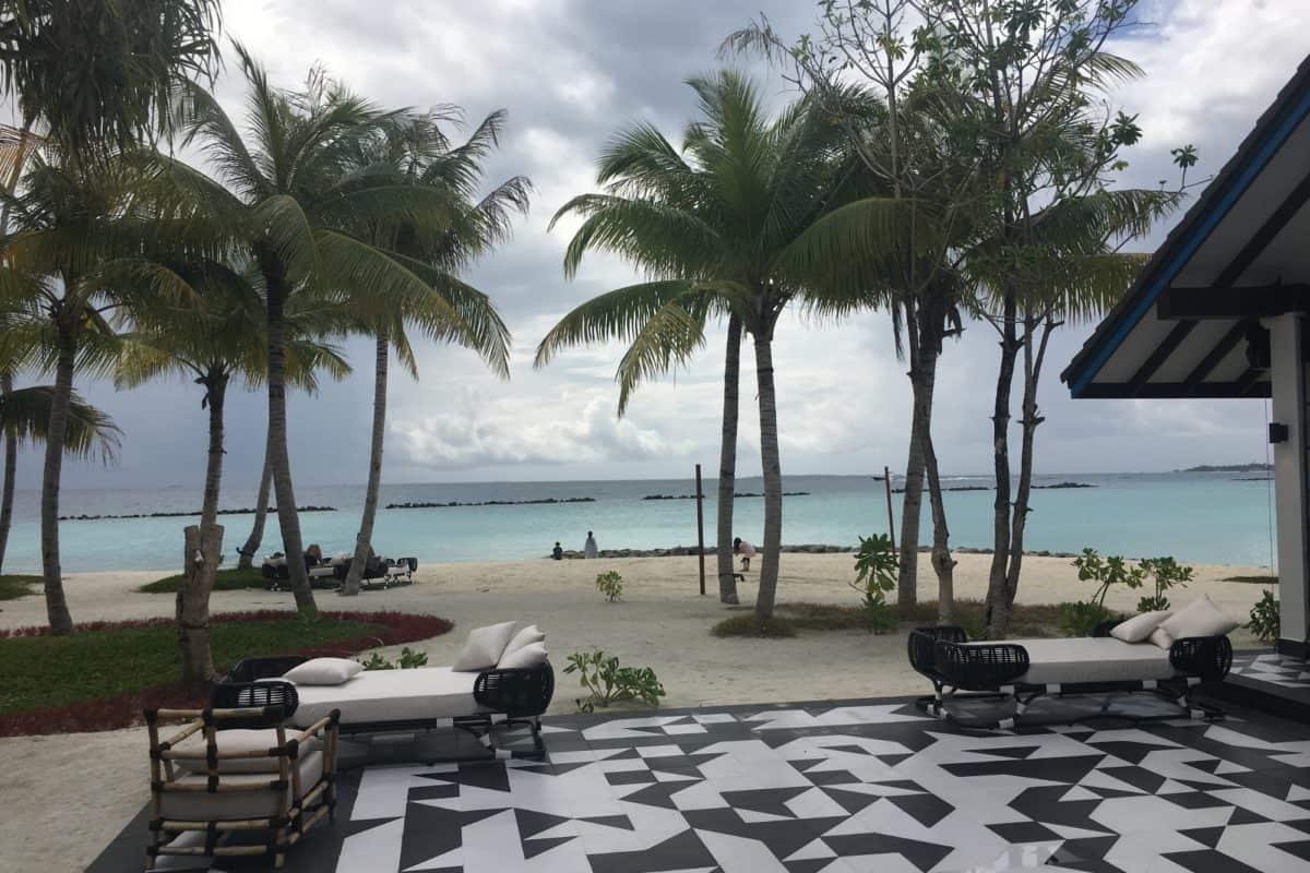 SAii Lagoon Curio Collection by Hilton Review