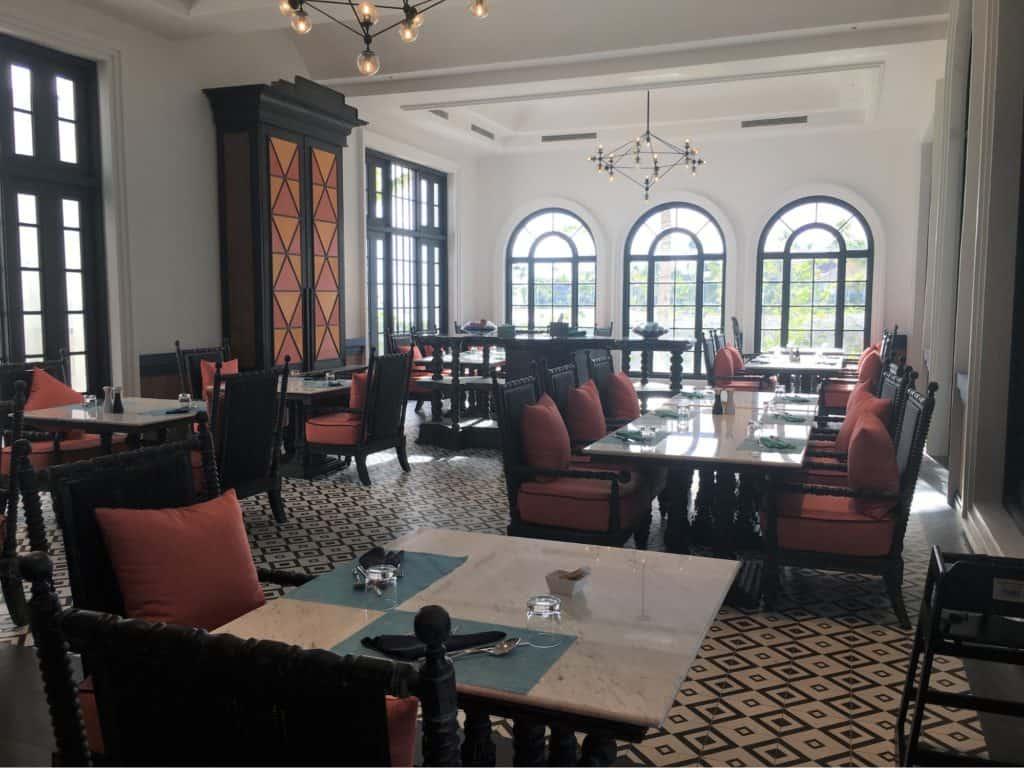 SAiiLagoonMaldivesCurioCollectionbyHiltonReview-Café Del Mar