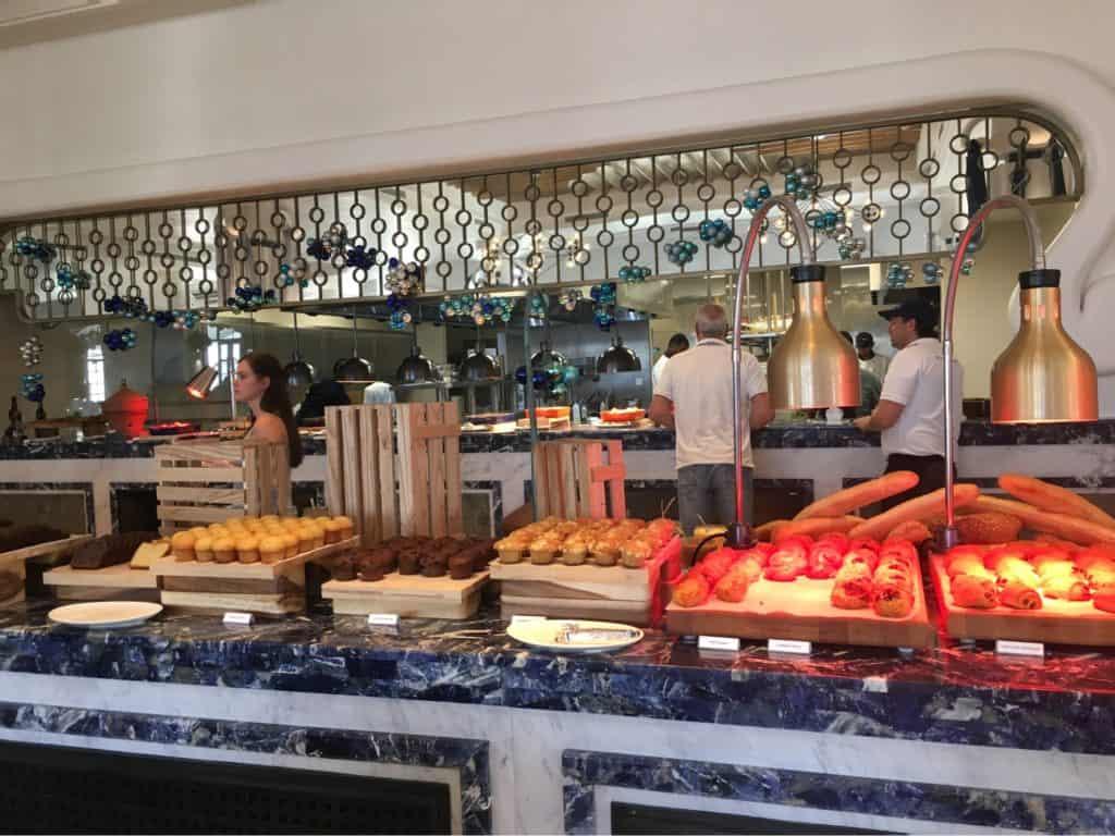 SAiiLagoonMaldivesCurioCollectionbyHiltonReview-Café Del Mar-Breakfast