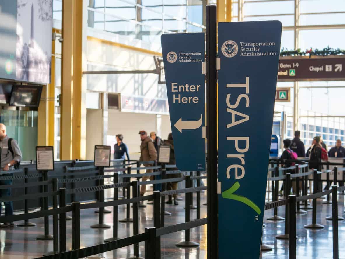 TSA precheck fast lane line before security at Reagan National Airport