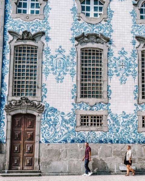 Walking near Porto train station