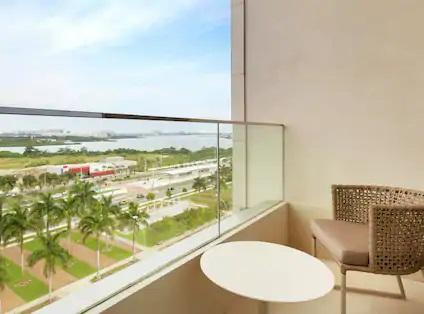 Hilton Barra Rio de Janeiro Pool Balcony