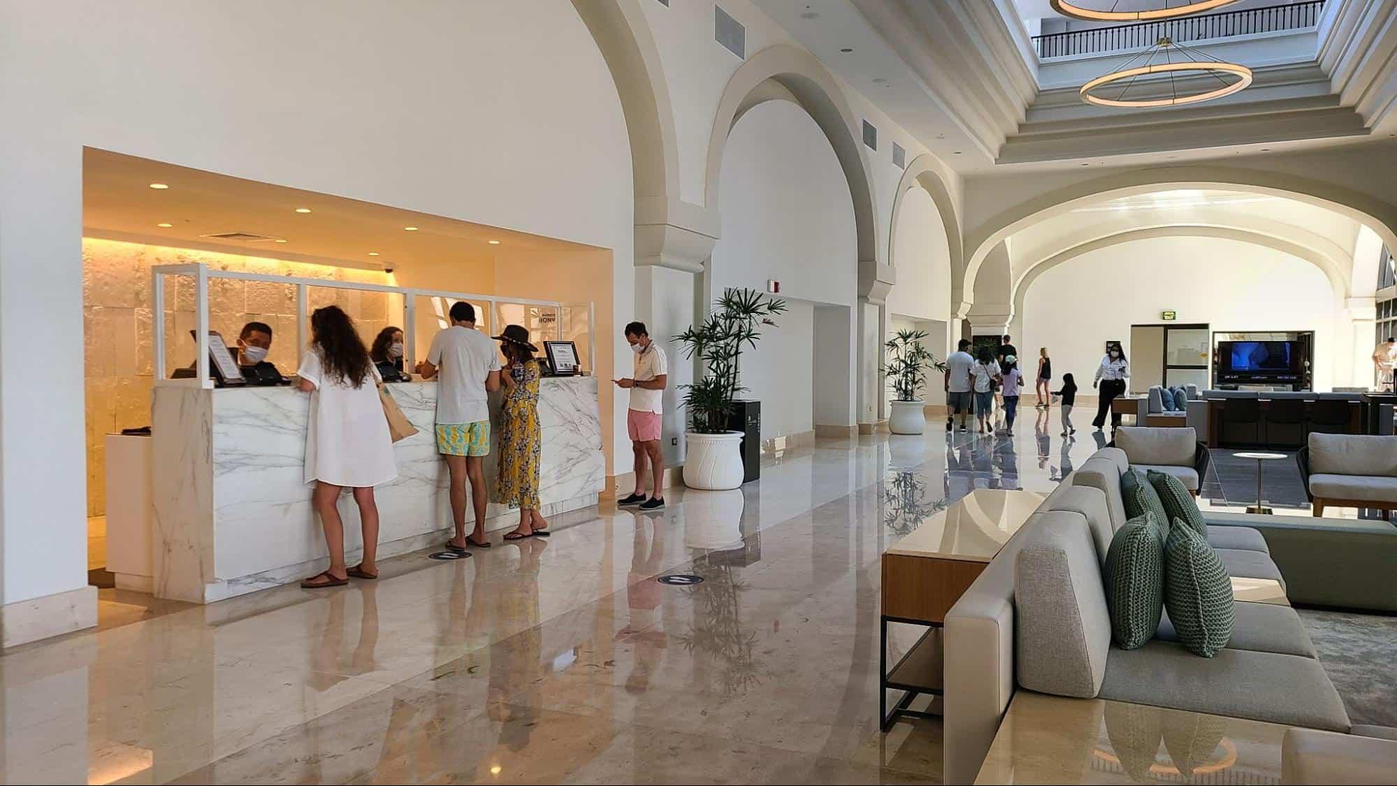 check-in desk at Marriott Cancun Resort